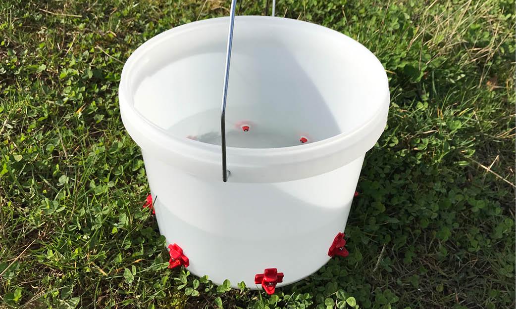 Hanging Nipple Bucket Drinker – Horizontal Type