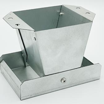 Galvanised Metal Pan Feeder 4