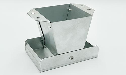 """Galvanised Metal Pan Feeder 4"""" inch"""